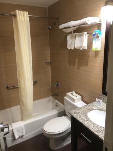 Days Inn by Wyndham Brooklyn Borough Park, Отели  Бруклин - big - 26