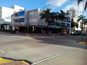 ACOGEDOR DEPARTAMENTO EN EL CENTRO DE PUNTA DEL ESTE
