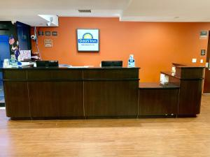 Days Inn by Wyndham Brooklyn Borough Park, Отели  Бруклин - big - 30