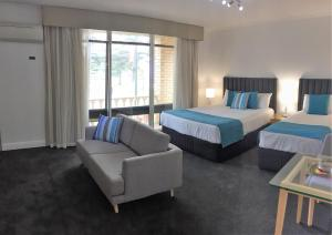Ensenada Motor Inn and Suites, Motels  Adelaide - big - 59