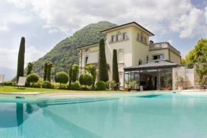 Argegno Villa Sleeps 12 Pool Air Con - AbcAlberghi.com