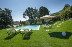 Baveno Villa Sleeps 13 Pool Air Con - AbcAlberghi.com