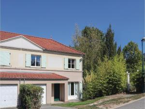 Four-Bedroom Holiday Home in Pontcharra - Hotel