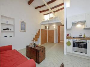 One-Bedroom Apartment in Napoli NA - AbcAlberghi.com