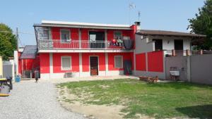 casa indipendente con cortile privato - AbcAlberghi.com