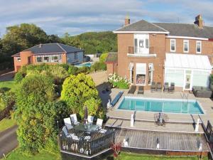 Northcliff Manor, Prázdninové domy - Wemyss Bay