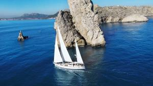 RESTLESS SPIRIT Sail & Stay. 26m sailing yacht with crew & chef on board - Sant Adria de Besos