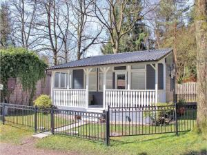 Three-Bedroom Holiday Home in Lanaken - Veldwezelt