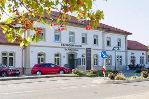 Bahnhof-Erzingen, hotel, coffee & more - Kadelburg