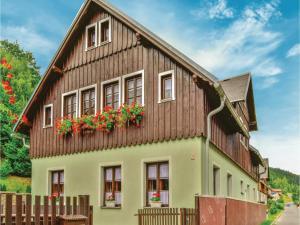 Six-Bedroom Holiday Home in Horni Marsov - Karpacz