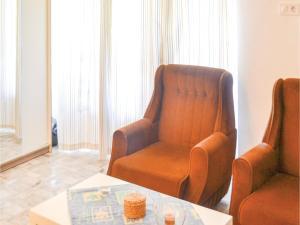 Holiday home Fenyvesi u-Balatonfenyves, Holiday homes  Balatonfenyves - big - 2