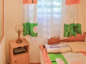 Holiday home Fenyvesi u-Balatonfenyves, Holiday homes  Balatonfenyves - big - 3