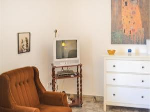 Holiday home Fenyvesi u-Balatonfenyves, Holiday homes  Balatonfenyves - big - 13