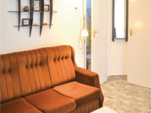 Holiday home Fenyvesi u-Balatonfenyves, Holiday homes  Balatonfenyves - big - 7