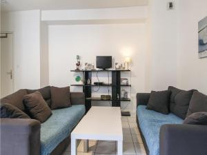 Three-Bedroom Apartment in Rouen - La Vaupalière