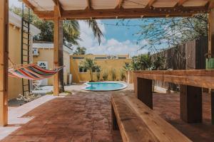Monumental Landmark with Pool, Dovolenkové domy  Santa Cruz - big - 19