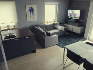Green Valley Apartments - 3 Lakes
