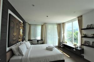 The Bay Cliff Suite, Apartmanok  Patong-part - big - 10