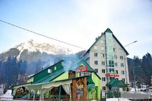 Kristall Hotel - Dombay