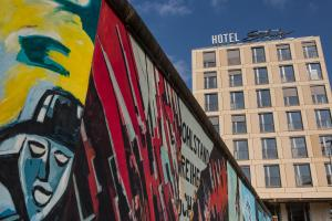 Schulz Hotel Berlin Wall at the East Side Gallery
