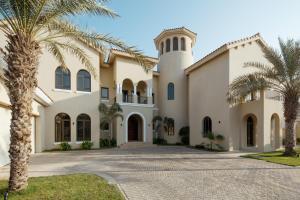 Fantastay Villa with Private Beach - Palm Jumeirah - Dubai