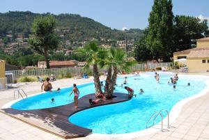 Location gîte, chambres d'hotes Résidence Lagrange Vacances - Les Cottages Varois dans le département Var 83