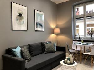 Pillow Apartments