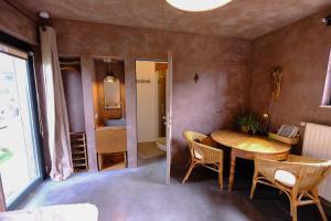 Maison d'Hôtes Cerf'titude, Bed & Breakfasts  Mormont - big - 10