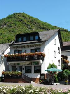Pension / Ferienwohnungen Scheid - Hirzenach