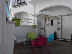 apartment with 2 bedrooms in arjona, with enclosed garden and wifi