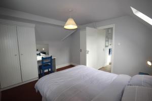 14 Clifden Glen, Ferienhäuser  Clifden - big - 68