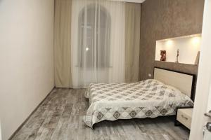 Apartment on Nalbanyan Street 50
