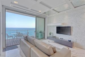 obrázek - Luxury Apt Ocean Views in Tigne Point, with Pool