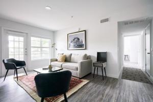 The Domain Premier Suites by Sonder