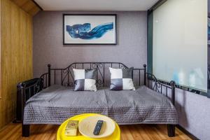 Lavendar Duplex Apartment, Apartments  Guangzhou - big - 45