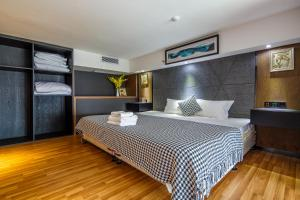 Lavendar Duplex Apartment, Apartments  Guangzhou - big - 49