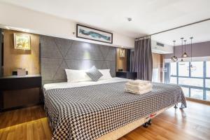 Lavendar Duplex Apartment, Apartments  Guangzhou - big - 52