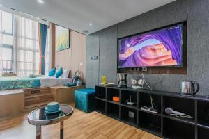 Lavendar Duplex Apartment, Apartments  Guangzhou - big - 22