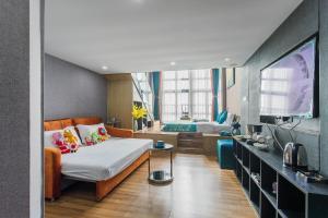 Lavendar Duplex Apartment, Apartments  Guangzhou - big - 55