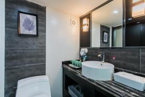 Lavendar Duplex Apartment, Apartments  Guangzhou - big - 26