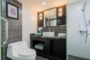 Lavendar Duplex Apartment, Apartments  Guangzhou - big - 27