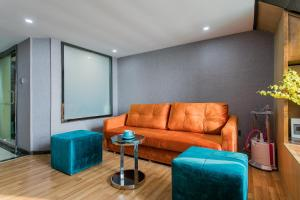 Lavendar Duplex Apartment, Apartments  Guangzhou - big - 25
