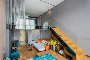 Lavendar Duplex Apartment, Apartments  Guangzhou - big - 68