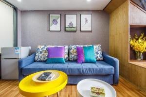 Lavendar Duplex Apartment, Apartments  Guangzhou - big - 83