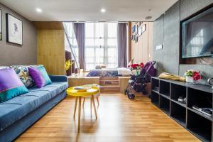 Lavendar Duplex Apartment, Apartments  Guangzhou - big - 82