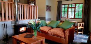 Lake Naverone Holiday Cottages, Resorts  Drakensberg Garden - big - 119
