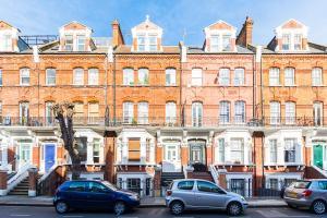 Stylish garden apartment Nr High Street Kensington, Ferienwohnungen  London - big - 40