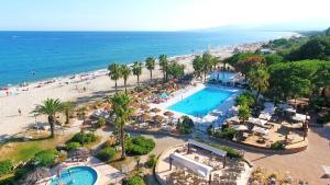 Location gîte, chambres d'hotes Village de Vacances Marina d'Oru dans le département Corse du Sud 2a
