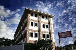 Selina Place