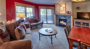 Copper Springs at East Village by Copper Mountain Lodging - Hotel - Frisco